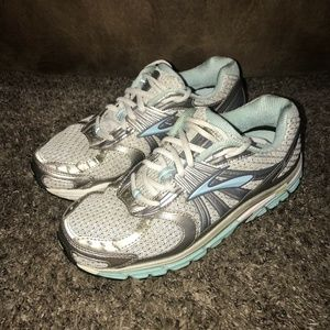 Brooks Athletic Ariel Running Shoe Size 8.5 Wide D